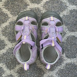 EUC Keen - Waterproof light purple Keen shoes